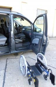 Beifahrersitz wird automatisch rausgedreht